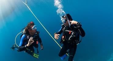 Divemaster VS. Instrutor de Mergulho PADI