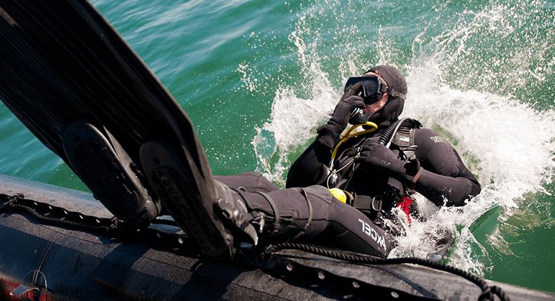 Os militares devem considerar o mergulho como uma segunda carreira?